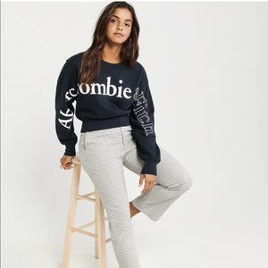Abercrombie & Fitch EXPLODED LOGO CREWNECK